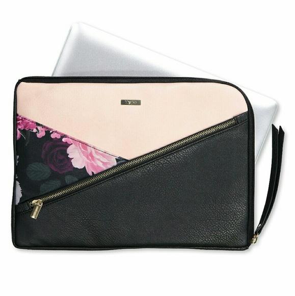 innovative design de1c0 f7045 Typo Premium Laptop Case